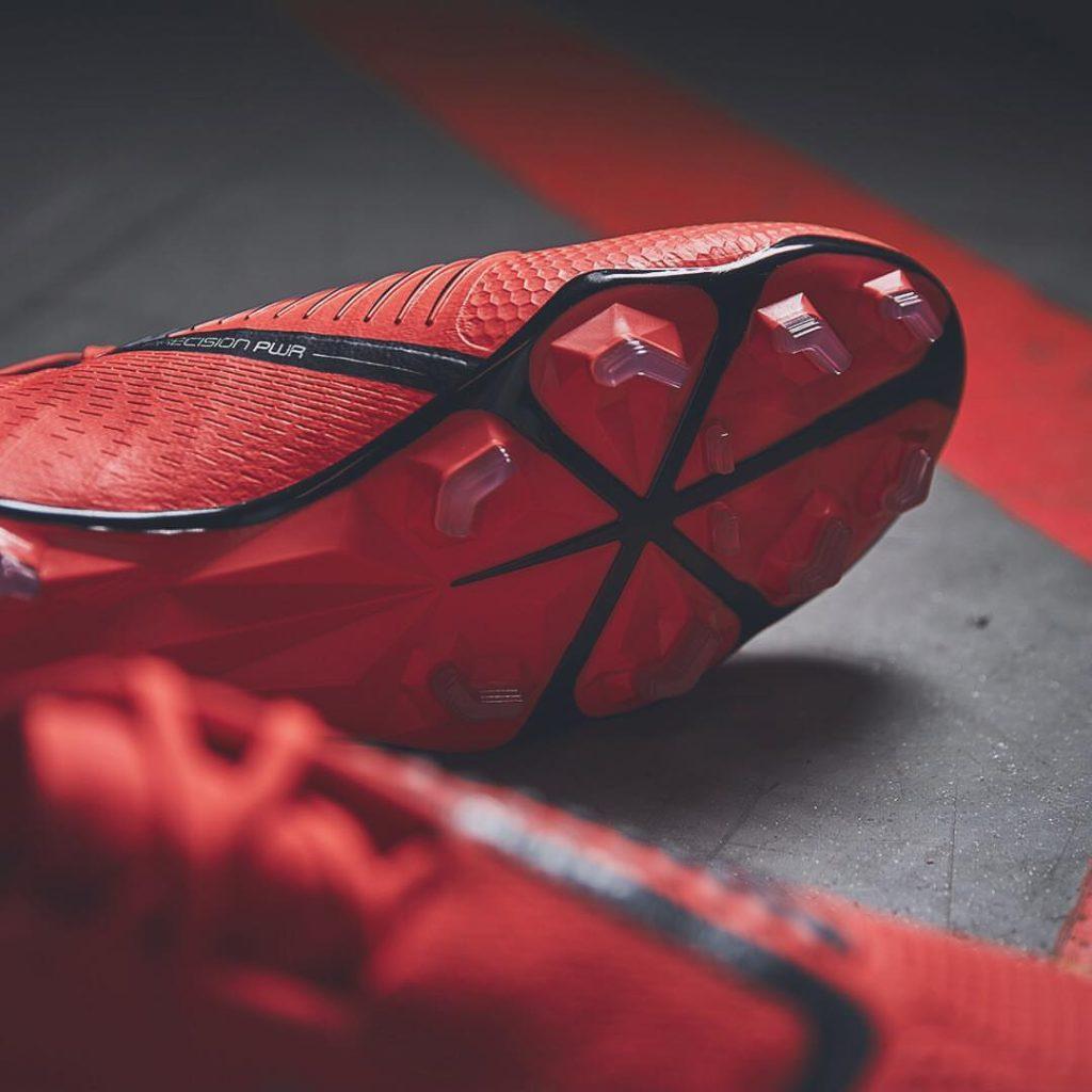 Nike PhantomVNM - Game Over Pack