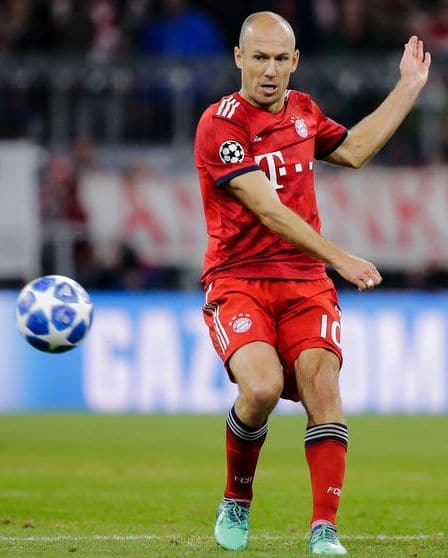 Why Older Players Stick to Old Football Boots - Arjen Robben