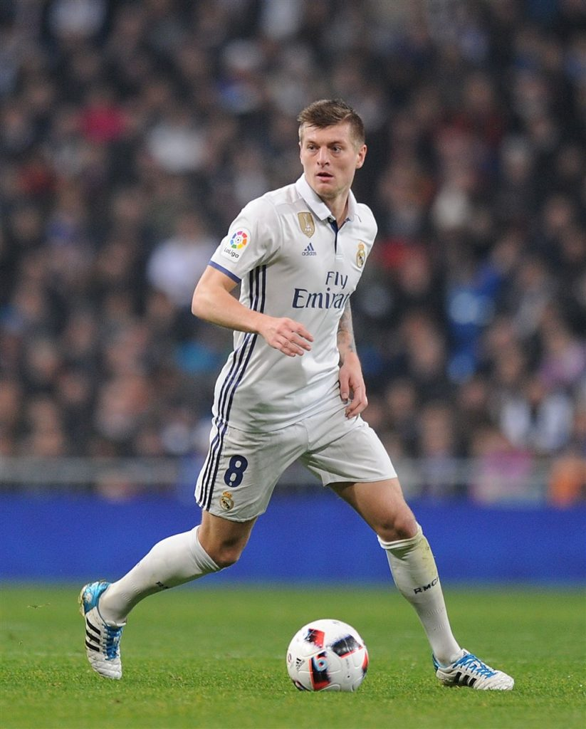 Why Older Players Stick to Old Football Boots - Toni Kroos adidas 11pro