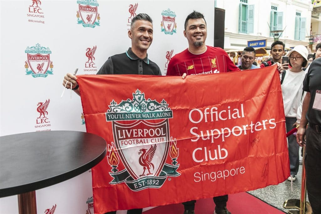 Luis Garcia with the Official Liverpool Supporters Club of Singapore
