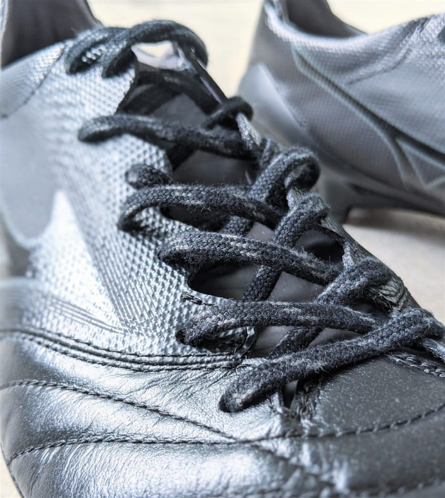 Mizuno's Wave-Fit Lacing system