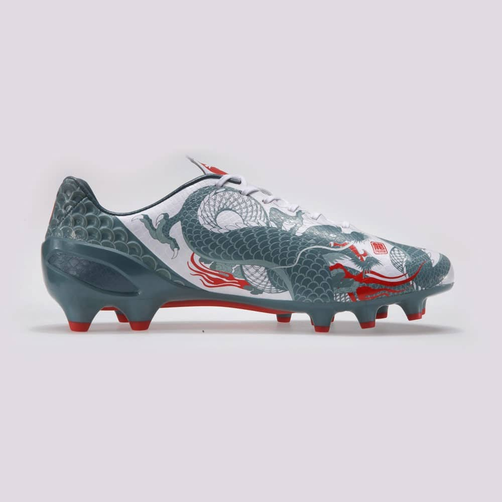 football boots - puma evospeed dragon