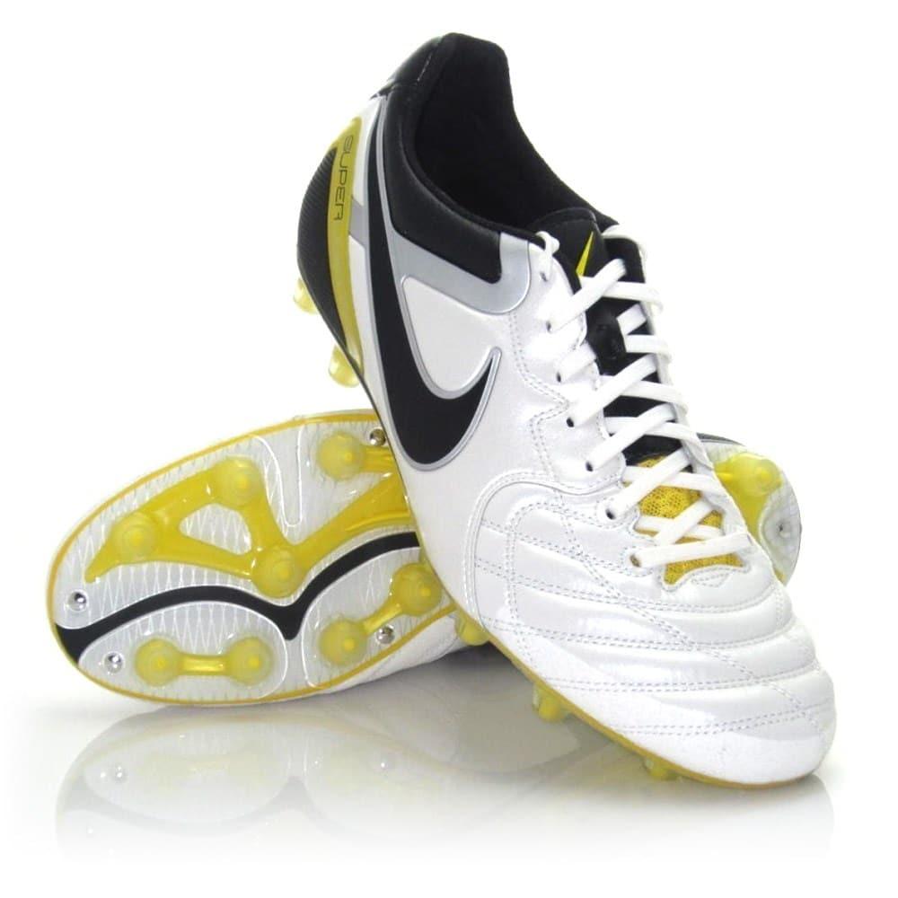 football boots - Nike Tiempo Super Ligera