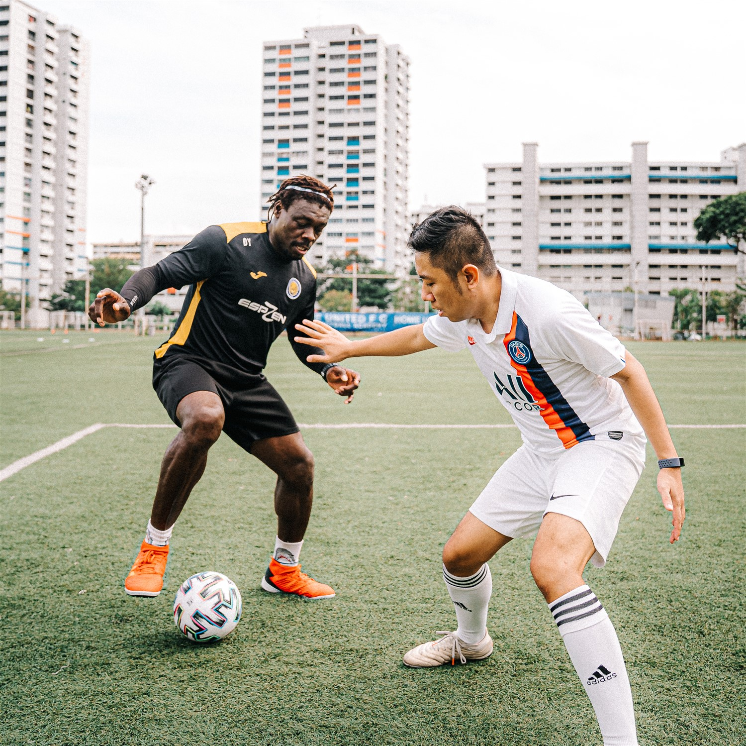 5 Tips to Improve as a Defender in football soccer