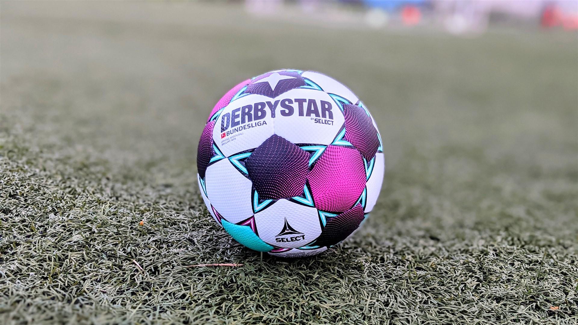 Derbystar by Select Bundesliga Official Match Ball